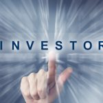 hand clicking on investor button